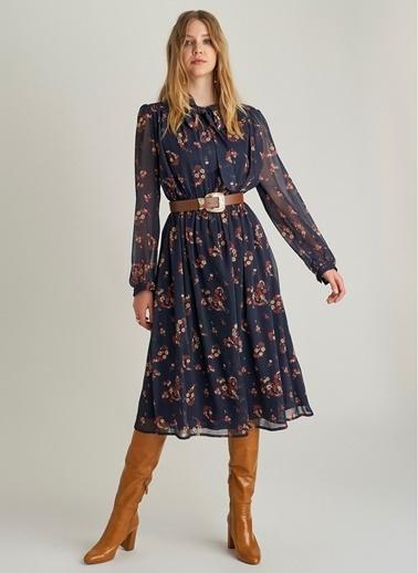 NGSTYLE Şal Desenli Fular Yakalı Elbise Lacivert